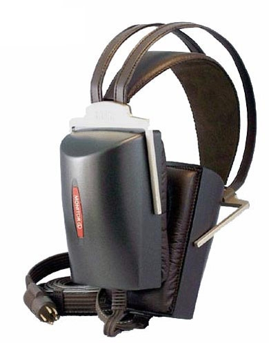 """Chỉ có các loại tai nghe chuyên dụng (monitor) mới có thể tái tạo âm thanh """"chính xác như phòng thu"""""""