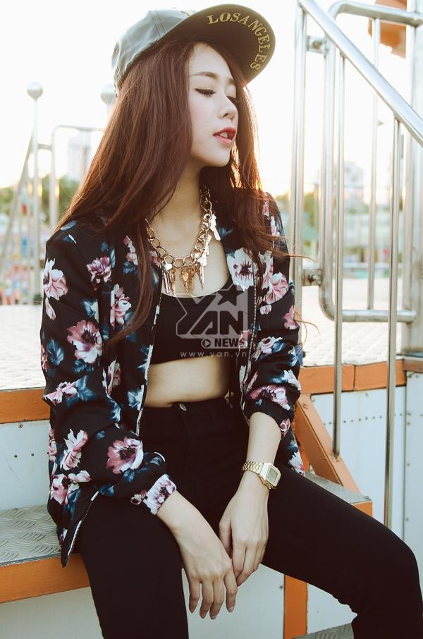 Thêm xinh trong ngày nắng Sài Gòn với thời trang trendy
