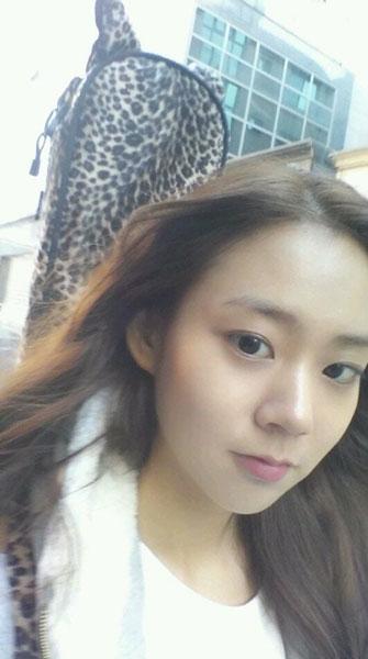"""Seungyeon (Kara)mặt mộc xinh đẹp với lời nhắn: """"Thời tiết mấy ngày này đẹp quá""""."""