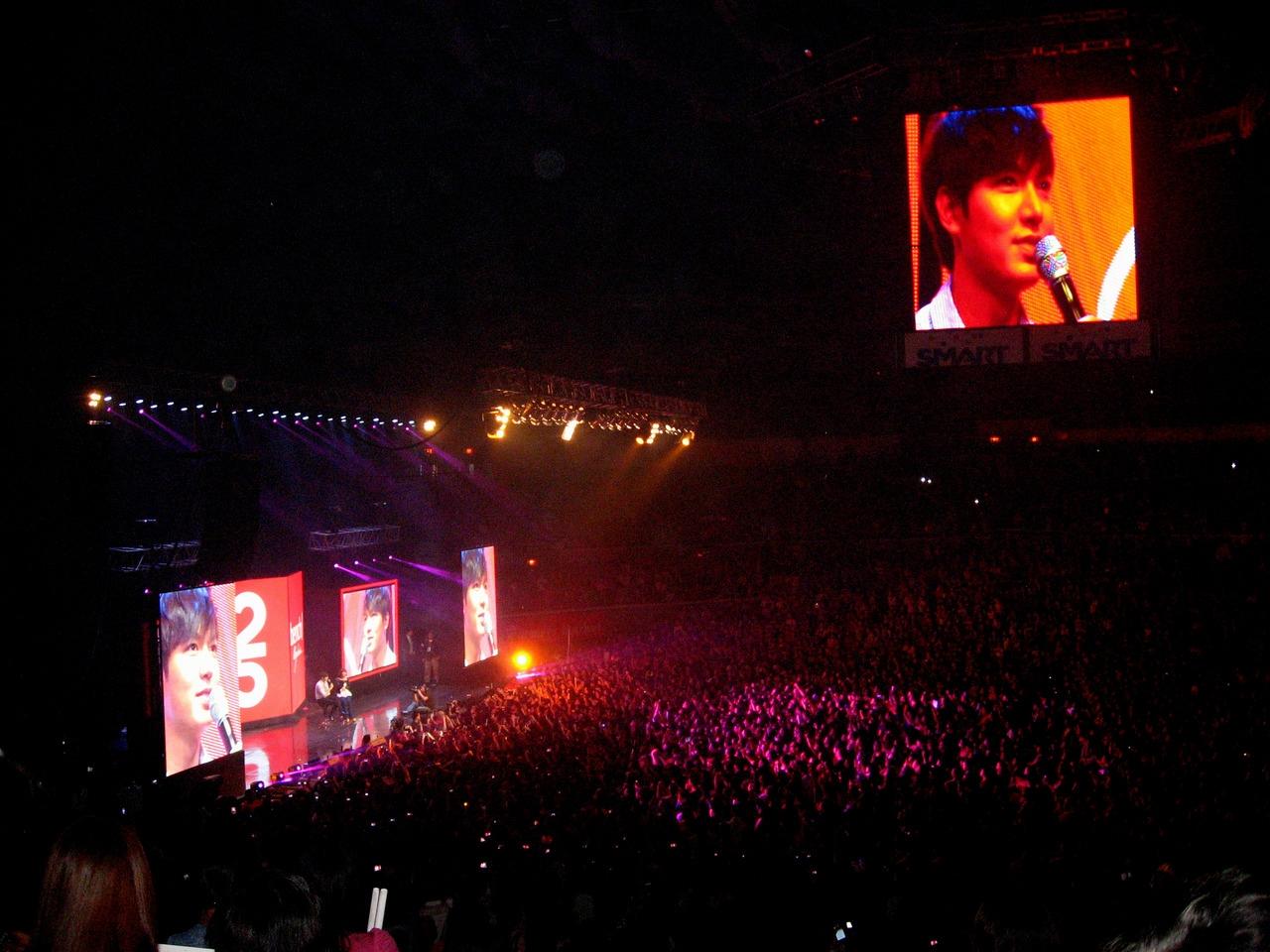 Hơn 15.000 fan đã lấp đầy khán phòng để được giao lưu cùng Lee Min Ho
