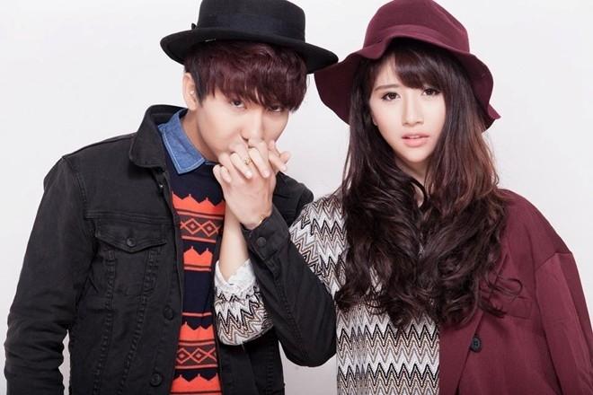Cả hai có nhiều fan chung và là cặp đôi lý tưởng cho những bộ hình thời trang, lấy ý tưởng về tình yêu, sự gắn kết. Ảnh: Luke Nguyen.