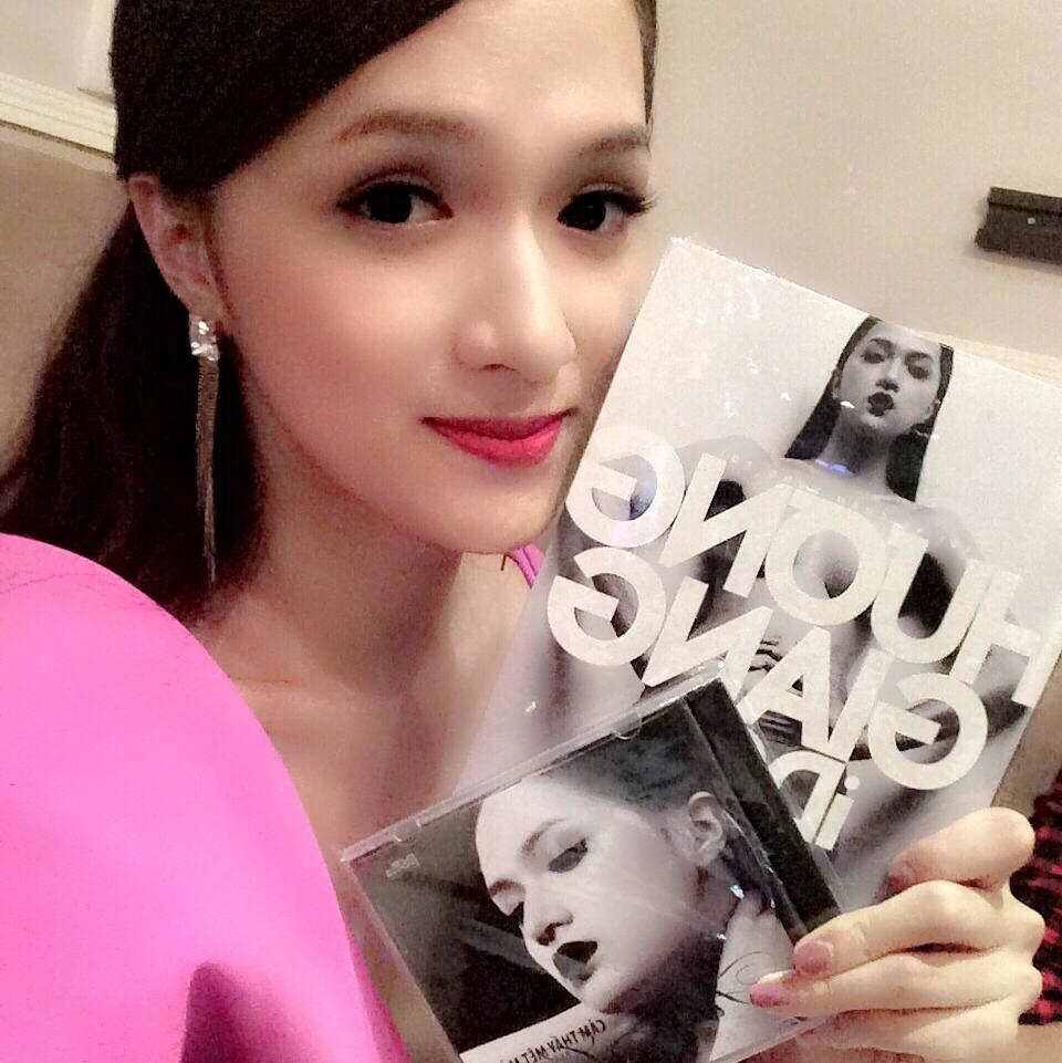 Hương Giang với cuốn tự truyện đầu tay của mình