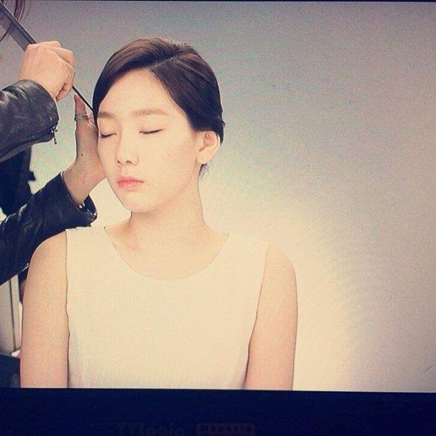 Taeyeon đăng tải hình hậu trường của cô trong quảng cáo Natural Republic