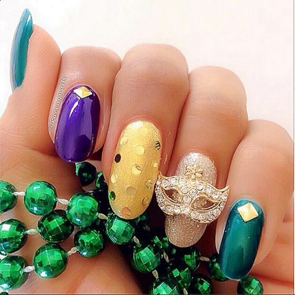 10 mẫu nail thu hút ánh nhìn cho mùa hè
