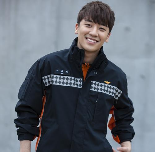 Tạo hình nhân vậtTeddy Seo của Seungri trong Angel Eyes