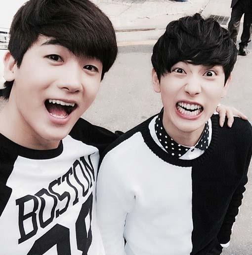 """Park Hyung Sik (ZE:A) """"nhắng nhít""""bên Im Siwan"""