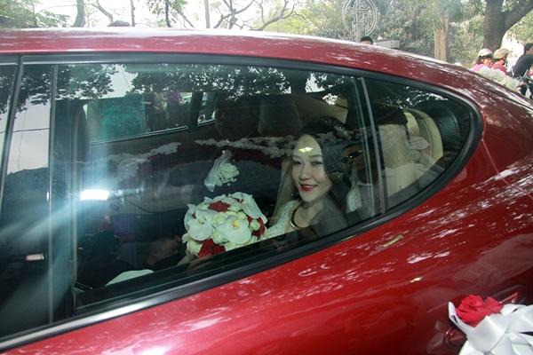 Cô dâu và chú rể về nhà trai để làm lễ gia tiên - Tin sao Viet - Tin tuc sao Viet - Scandal sao Viet - Tin tuc cua Sao - Tin cua Sao