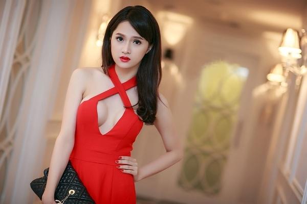 huong-giang-phan-ung-chuyen-gioi-3