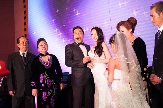 Anh hát sáng tác của nhạc sĩĐỗ Bảonhư lời tâm sự dành cho vợ.