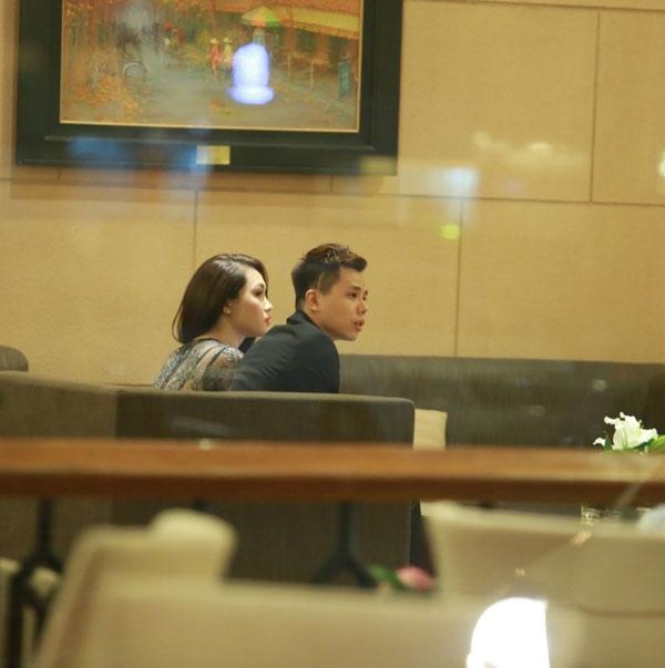 Trịnh Thăng Bình xuất hiện cùng với một cô gái trẻ đẹp