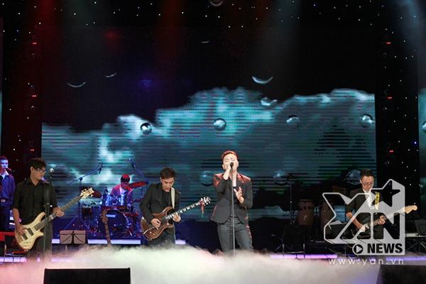 """KOP band- hiện thân của thế hệ Rock mới khép lại chương trình với """"Em về giữa mênh mông đất trời"""""""