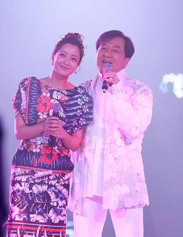 Thành Long - Kim Hee Sun