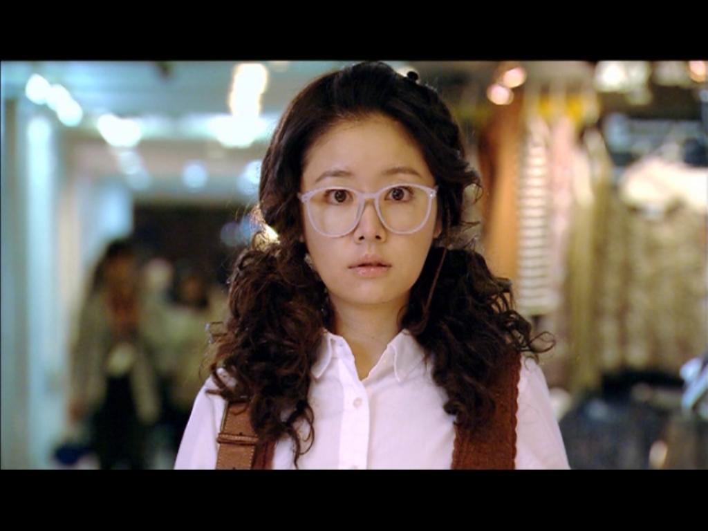 """Ngoại hình không mấy bắt mắt khiến Minh Minh trở thành cô gái """"Ế"""" ở tuổi 30"""