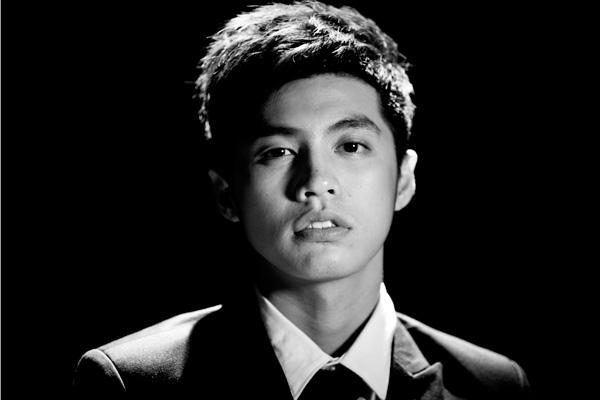 Hình ảnh của Noo Phước Thịnh gần đây đã trở nên mạnh mẽ, cá tính hơn nhưng khán giả vẫn luôn nhớ về thời anh mới nổi tiếng với phong cách Hàn Quốc.