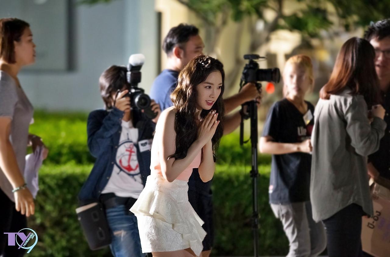 Những hình ảnh đáng yêu của Taeyeon trong buổi quay quảng cáo cho B-ing