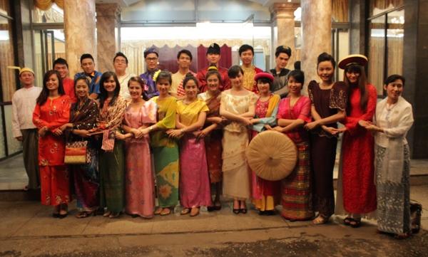Top 16 tại Nhà khách chính phủ trong chương trình Giao lưu của các Đại sứ quán tại Hà Nội ngày 14/3/2014