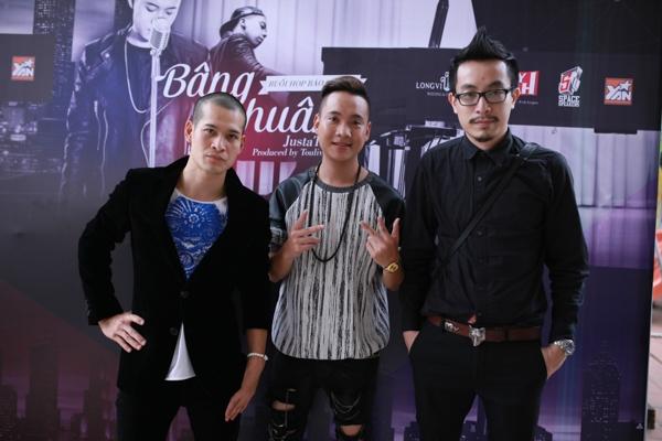 Justa Tee cùng đạo diễn Việt Tú và đạo diễn Triệu Quang Huy