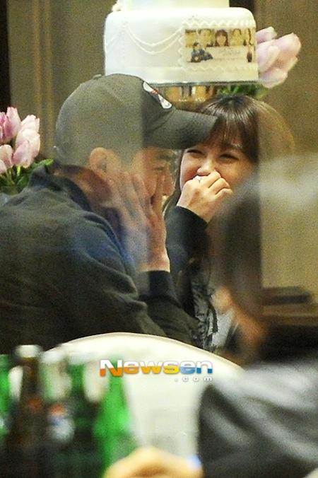 Các thành viên A Pink ghen tỵ với mối quan hệ của Eunji và Jo In Sung