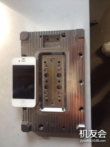 Hình ảnh khuôn đúc bộ khung của iPhone 6 bị rò rỉ gần đây