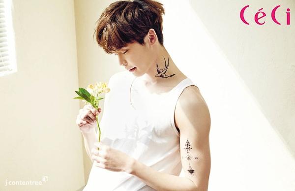 """Lee Jong Suk và Hyun Bin đọ """"hoa hòe"""" trên tạp chí Hàn"""