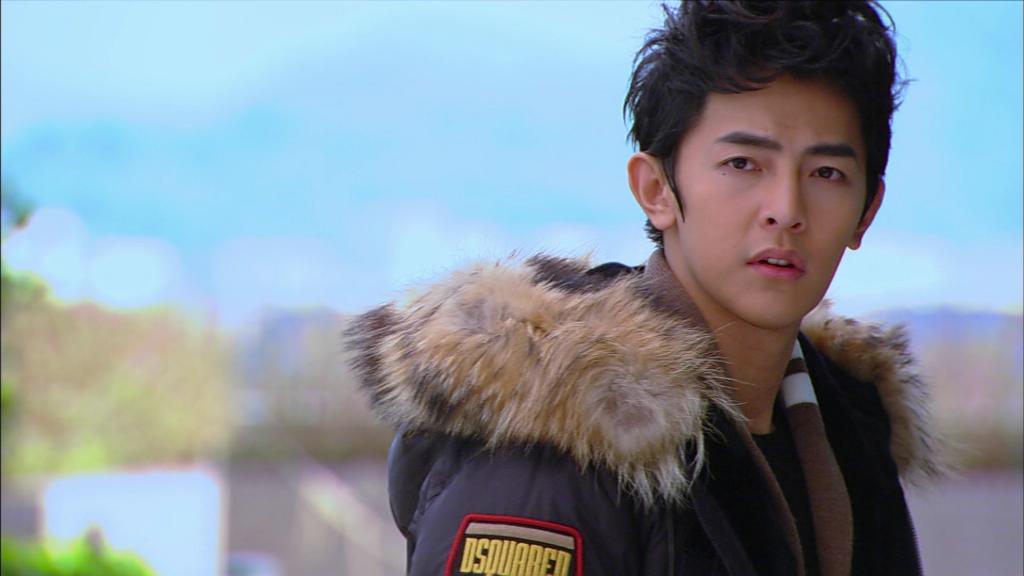 Uông Đông Thành vào vai nam chính Y Sâm trong bộ phim Tỷ Tỷ Xông Pha