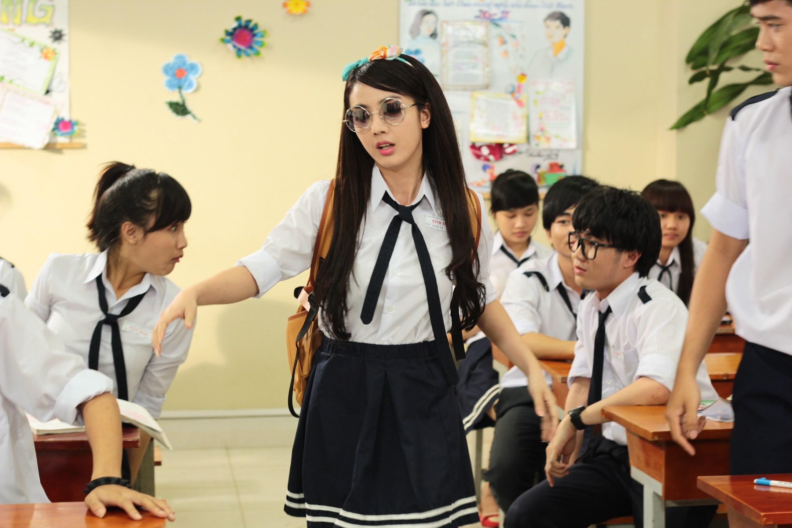 [14 ngày đấu trí] Khi hotgirl đầu bù tóc rối học bài