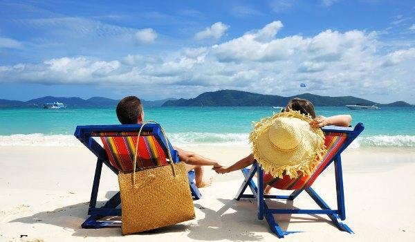 Tuyệt chiêu giúp tránh say sóng và cháy nắng khi đi biển