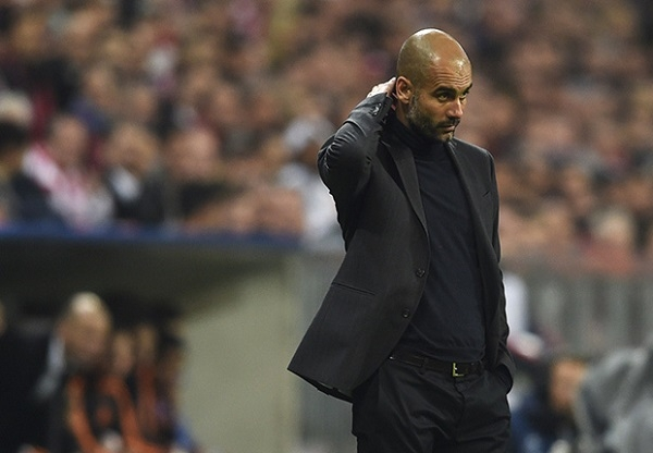 Guardiola bất lực nhìn Bayern bị Real quần tơi tả trên sân. Trước vòng bán kết năm nay, Bayern được đánh giá là ứng cử viên số một cho chức vô địch nhưng họ đã trở thành cựu vương dưới tay Real.