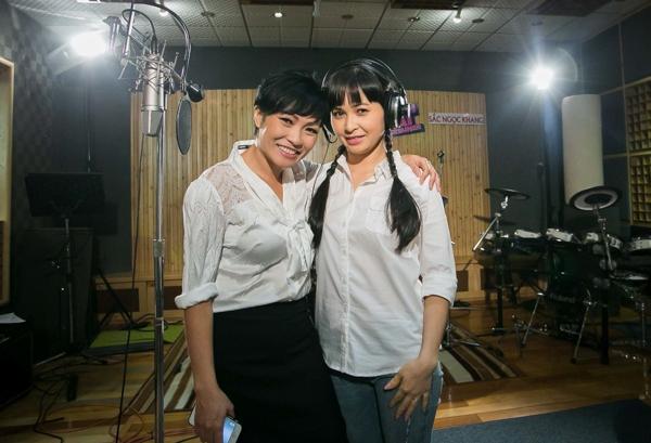 """Là một ca sĩ chuyên nhạc dân ca, dân gian đương đại nhưng Trang Nhung đã đưa khán giả đi từ bất ngờ này đến bất ngờ khác với sự biến hóa đầy màu sắc. Qua đến dòng nhạc pop thập niên 90 cũng được xem là một lợi thế của Trang Nhung khi chọn ca khúc """"Cho em một ngày"""" rất phù hợp với chất giọng của mình - Tin sao Viet - Tin tuc sao Viet - Scandal sao Viet - Tin tuc cua Sao - Tin cua Sao"""