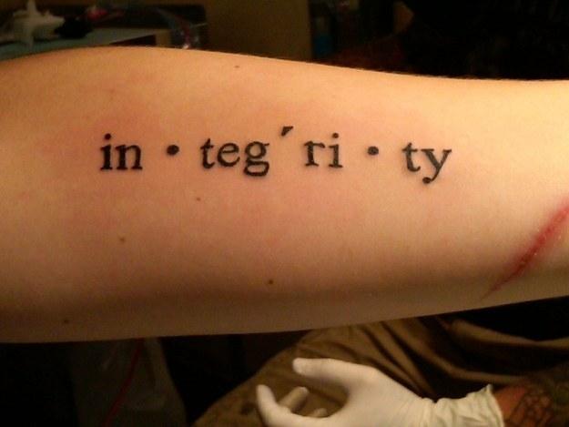 """""""integrity"""" - Sự ngay thẳng, thanh liêm, nguyên lành."""