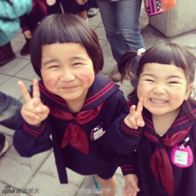 Thích thú với bộ ảnh của cặp anh em tóc gáo dừa gây sốt mạng xã hội