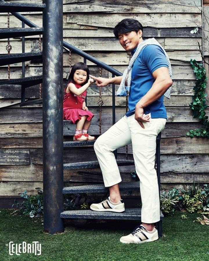 Vận động viên Chu Sang Hoon và con gái Chu Sarang