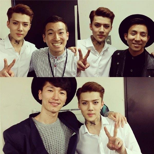 Sehunkhoe ảnh chụp cùng những người bạn nổi tiếng của anh