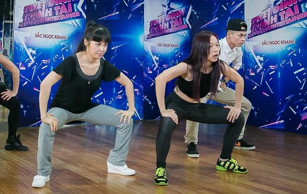 Tuy nhảy hiện đại rất khó nhưng động tác chân được Trang Nhung thực hiện rất tốt.