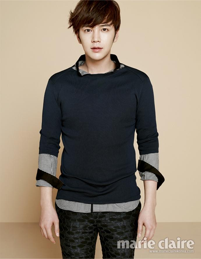 Jang Geun Suk là ngôi sao được phát hiện để trở thành người mẫu sớm nhất khi anh chỉ mới lên 5.