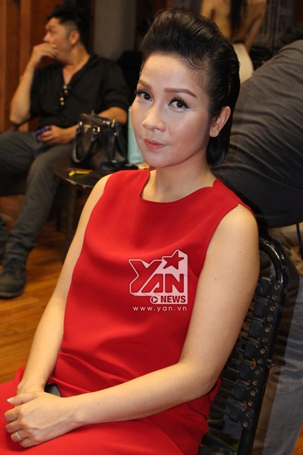 Mỹ Linh cũng bất ngờ xuất hiện trong đêm trao giải. - Tin sao Viet - Tin tuc sao Viet - Scandal sao Viet - Tin tuc cua Sao - Tin cua Sao