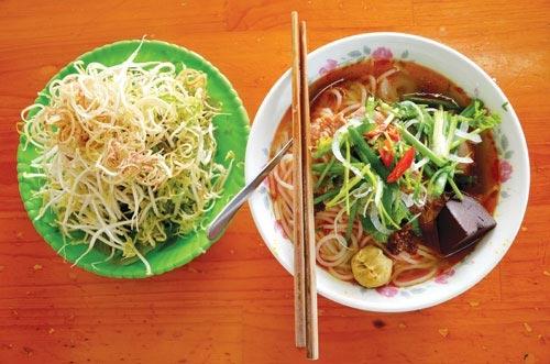 7 lí do tại sao bạn nên ăn món ăn của Việt Nam