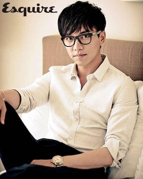 Lee Seung Gi đứng đầu danh sách với1.716 bình chọn (35.4%)