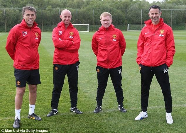 """"""" Thế hệ 92 """"trong thành phần ban huấn luyện tạm thời của Manchester United"""