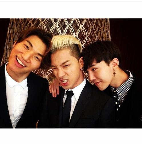 Taeyang nhí nhố tạo dáng bên Daesung và G-Dragon