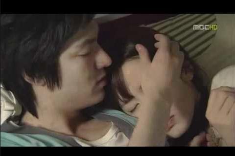Lee Min Ho và Son Ye Jin trong phim Personal Taste