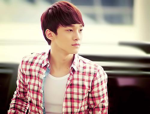 """Chen: """"Tất cả chúng tôi đều trải qua một khoảng thời gian khó khăn và đau khổ khi biết tin này. Thật buồn khi điều này lại xảy ra ngày trước concert đầu tiên của chúng tôi, một concert mà chúng tôi mơ ước từ rất lâu""""."""