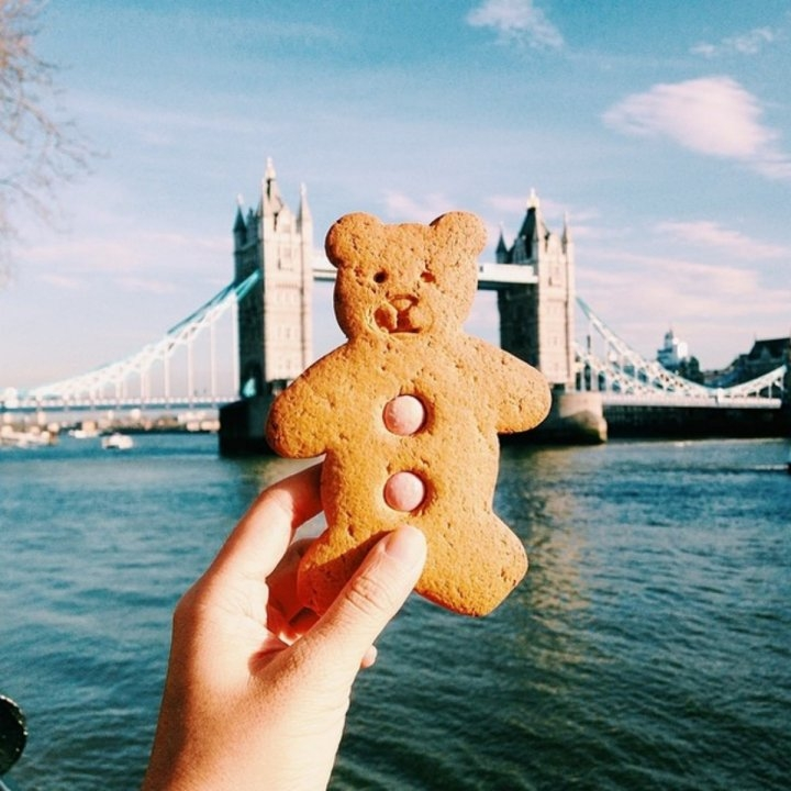 Bánh cookie hình gấu ở chợ Borough và cây cầu Tháp nổi tiếng ở London