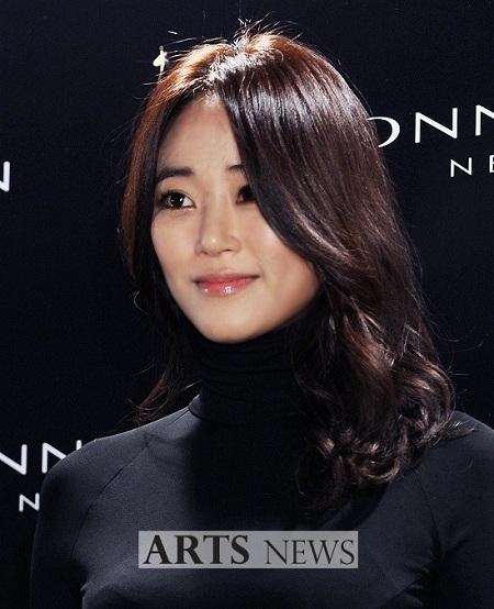 Nữ diễn viên Kim Hyo Jin đã ngừng ăn thịt và chuyển sang ăn những thức ăn chay vì sức khỏe cũng như cô muốn tâm được tịnh hơn.