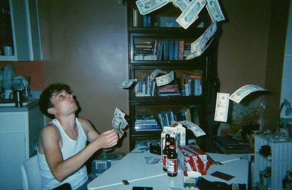Những bài học về tiền mà người trẻ nên biết