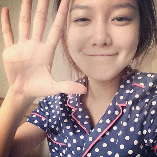 """Sooyoung khoe hình """"ngáy ngủ"""" cực đáng yêu với nội dung: """"Chào buổi sáng Kobe"""""""