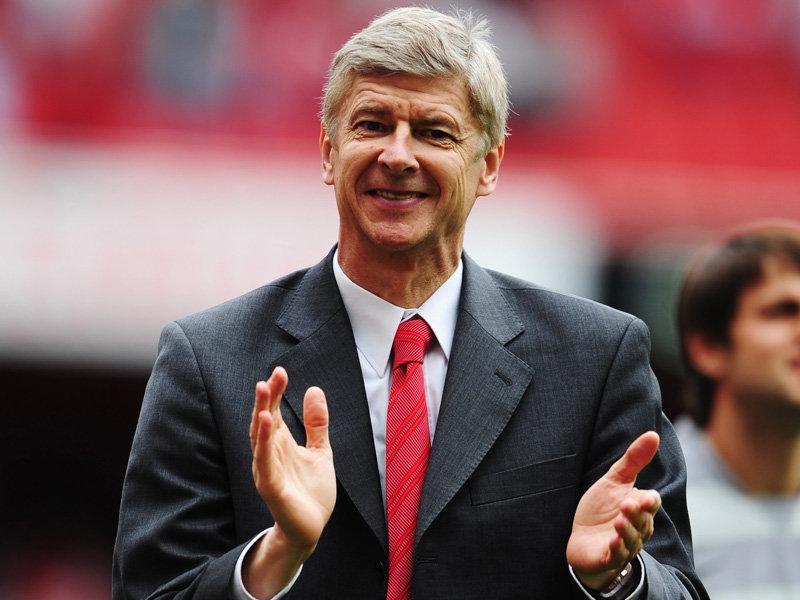 Wenger được mua sắm thoải mái mùa Hè này