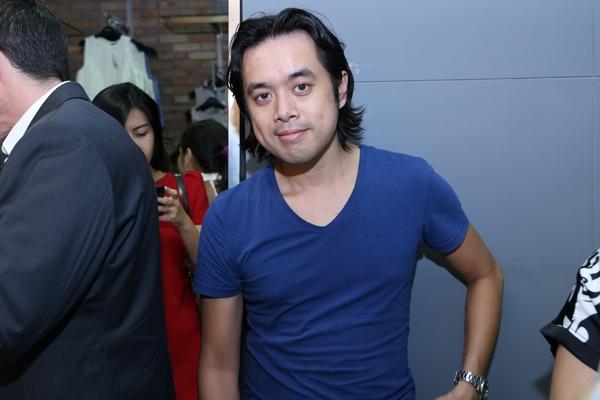 Nhạc sĩ Dương Khắc Linh tháp tùng cùng Trang Pháp đến tham gia sự kiện.