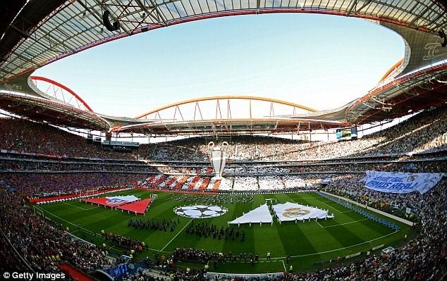 Sân Da Luz rực rỡ trước giờ diễn ra trận chung kết Champions League