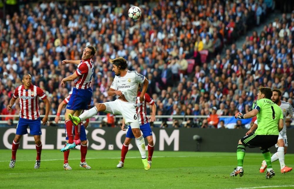 Không lâu sau, thủ quân Iker Casillas đã phạm sai lầm
